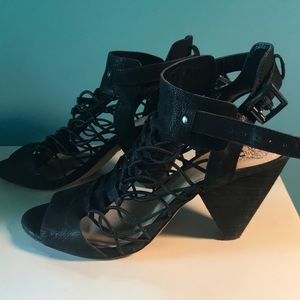Vince Camuto Black strappy sandels